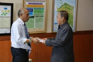 Foto penyerahan LHP Kinerja Kab.Jayapura, 5 Nov 15 (blm koreksi)